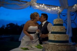 Harris Nguyen Wedding Reception - Cake Kiss